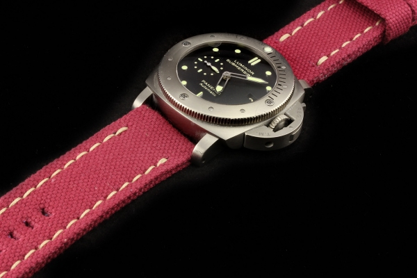 CANVAS 12-RED