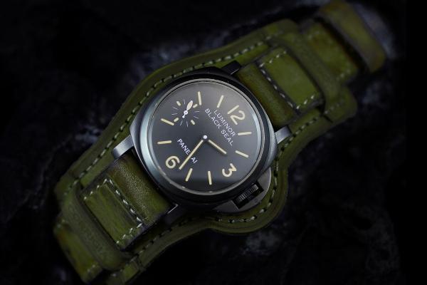 Winkel06 Military Green mit Kronenschutz